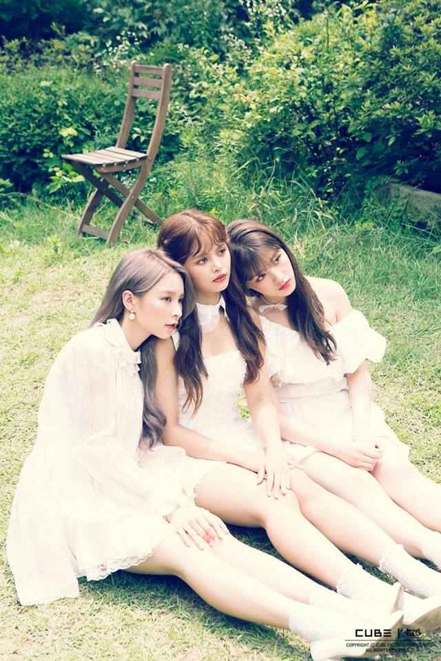 CLC在2017年所推出的歌曲《鬼怪》,雖然被批評整首歌都有師姐的泫雅影子,但CLC也因這首歌曲成功圈到許多粉絲,但沒想到下一首推出的歌曲卻走清新少女路線,如此大的風格轉變讓粉絲瞬間無法接受...