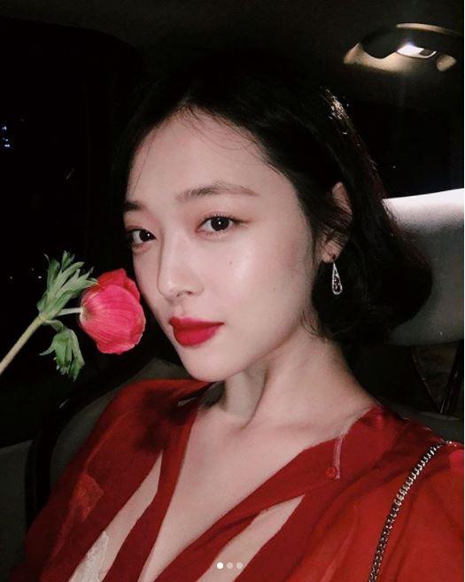 #5月14日 玫瑰日 送玫瑰給你喜歡的人♥