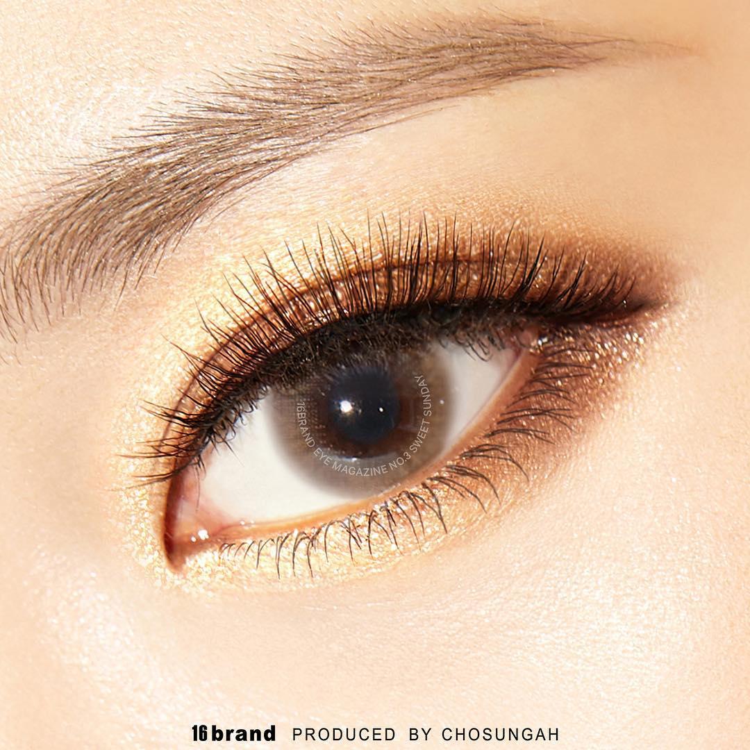 三號#sweet sunday則是利用金黃色配上棕色,非常適合夏天。尤其利用金色的眼影打亮眼頭,會讓眼睛看起來更有神!