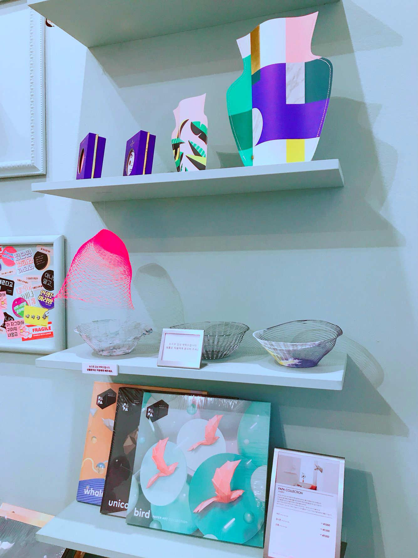 展覽都看完之後,還有賣紀念品的地方,每個產品看起來都相當有質感。