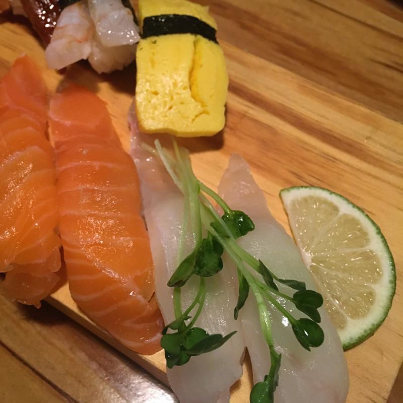 比目魚和三文魚都很新鮮,分量也夠大,小編認為是最佳的兩種口味。