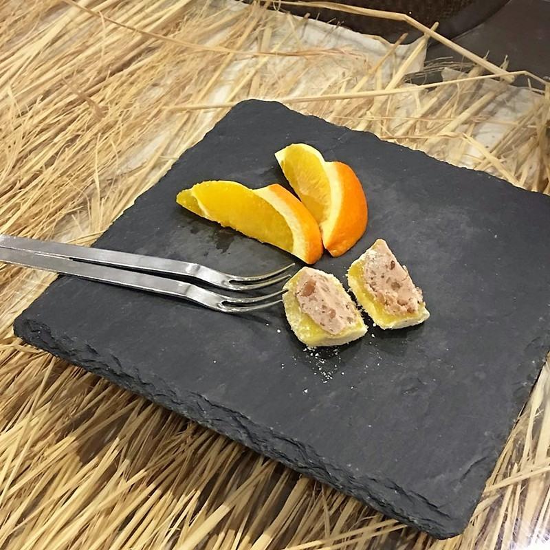 最後的甜點和柚子燒酒都很美味!柚子燒酒分量太少以至於小編意猶未盡,下次有機會一定還會來這裡體驗美食和服務~