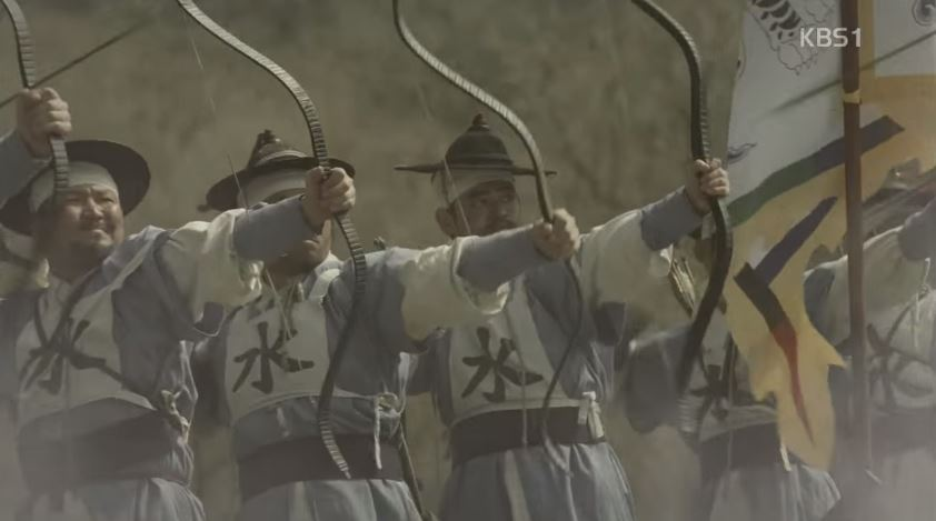 1) 「板門店」名字由來 原名是NULLMOONLEE (널문리),1592年「壬辰倭亂」時倭寇入侵朝鮮,當時韓國人的祖先向北方逃亡。臨津江剛好擋住他們的去路,附近一個村莊的村民把門板拆下來,放在江上做成橋樑,幫助祖先通過。