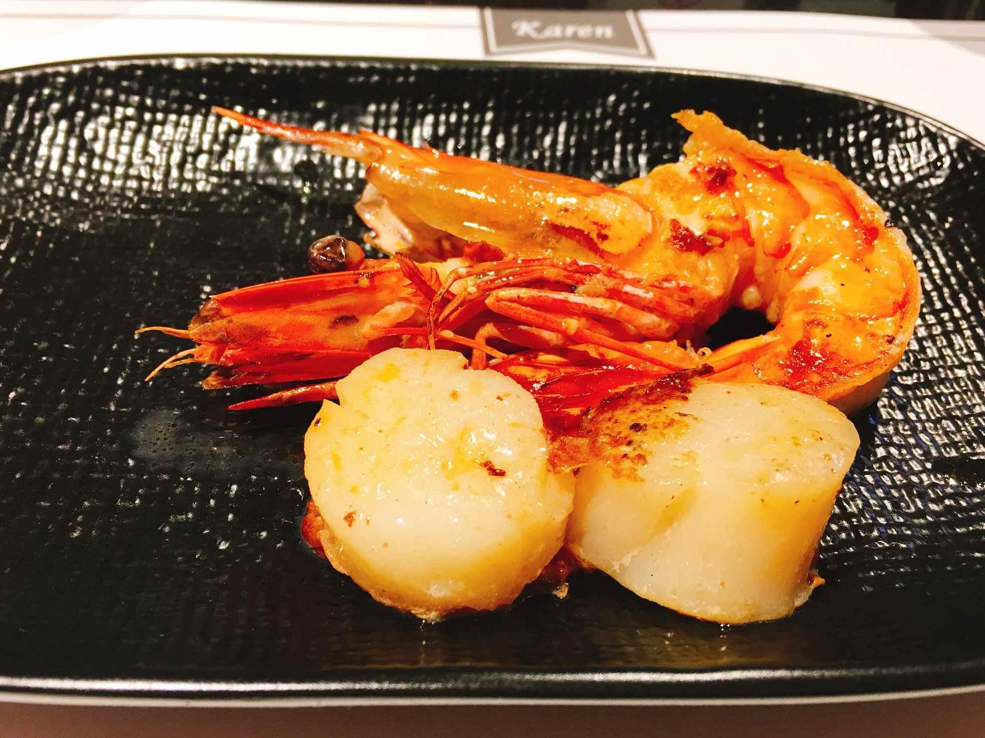 因為太想吃烤干貝了就又點了一份蝦子+干貝,但不得不說,它餐點的量都比想像中還少一點呀…但是好吃是沒話說!!