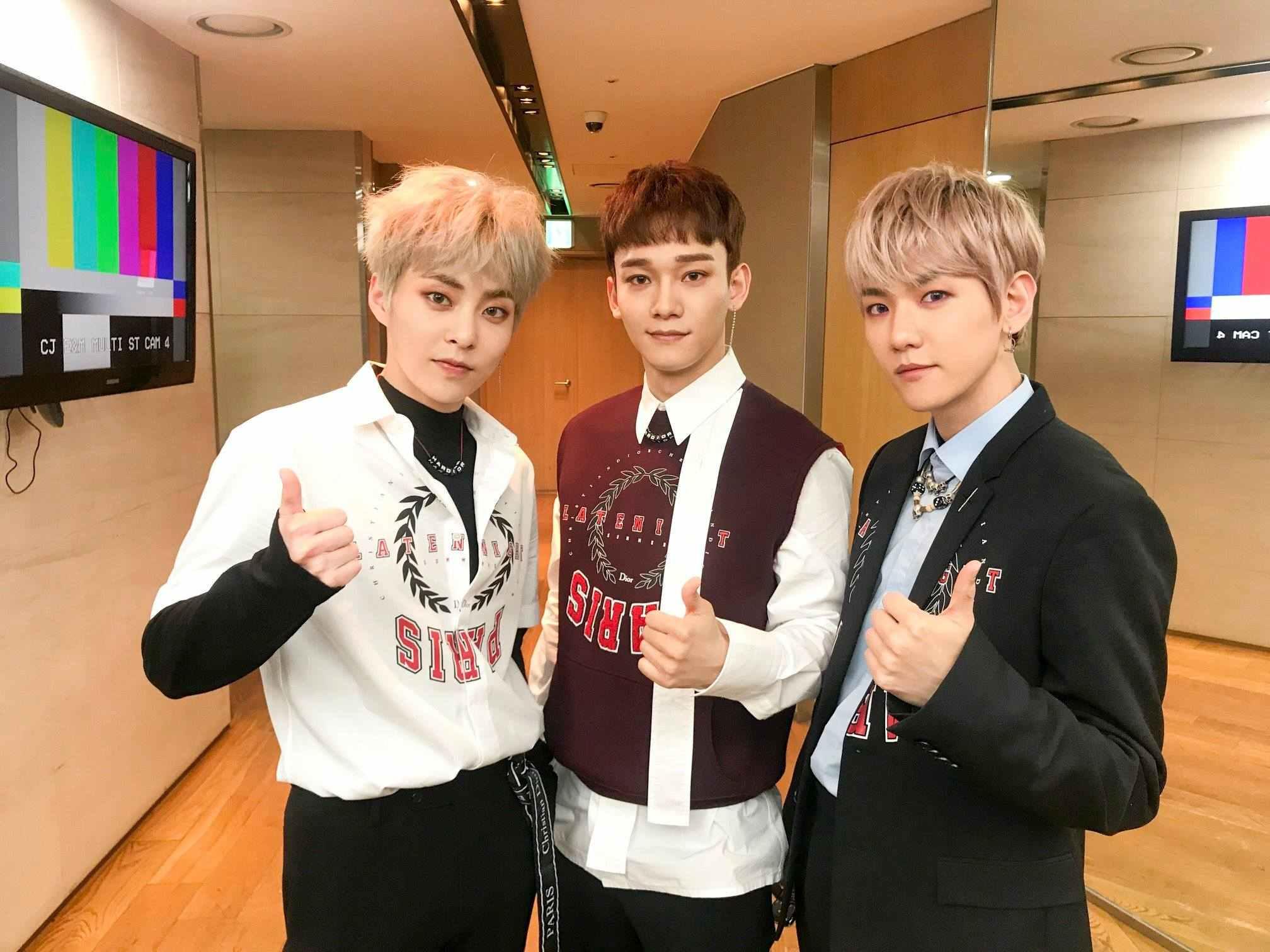 而在今年春天回歸的EXO-CBX也是EXO中的主唱line,絕對是歌唱實力的保證書阿!不過在21日的音樂節目中,就有成員發生了一點小差錯...
