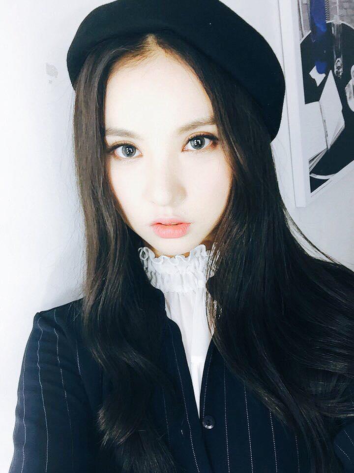 GFRIEND的Eunha剛出道時的長髮造型,可說是漂亮又清純,受到了許多粉絲的喜愛!