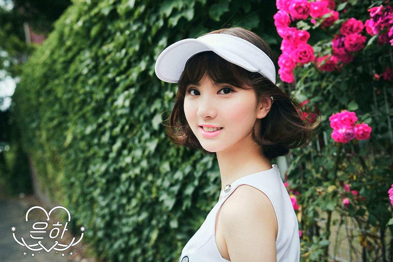 只是在正規一輯《L.O.L》時,剪短頭髮之後,Eunha可說是瞬間人氣大爆發,不少網友都表示比起長髮Eunha更適合短髮,不僅五官變得更立體,整個人也變得更加有辨識度!獲得了不少好評~