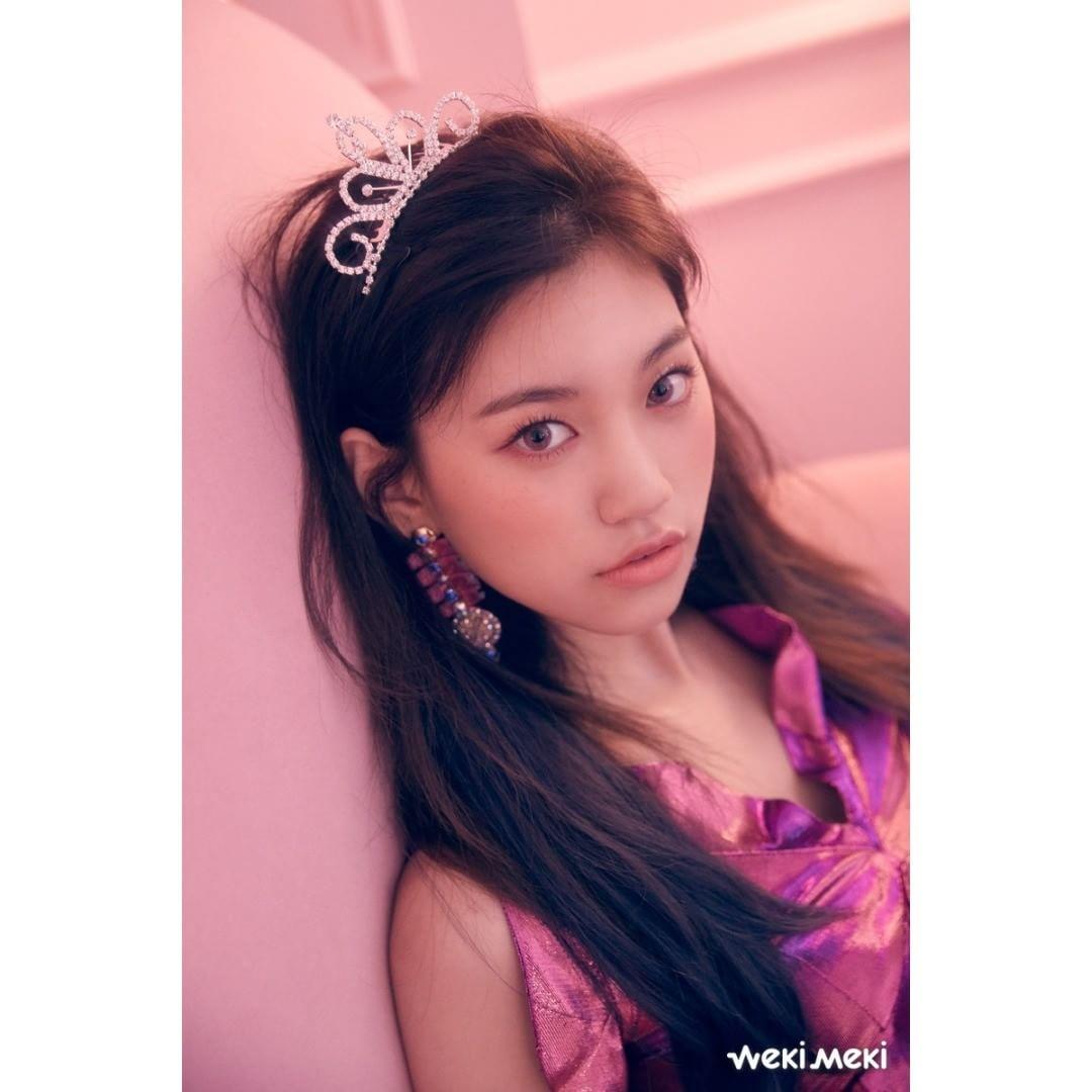 #Weki Meki - 度延 又一個以《PRODUCE 101》出身的演員啦!度延比起演戲經歷,展現了更多自己的魅力跟個性,得到韓國十代以及女高中生的喜愛,往後演技的活躍也讓人期待!  演出作品:《To Be Continued》(客串)、《Short》
