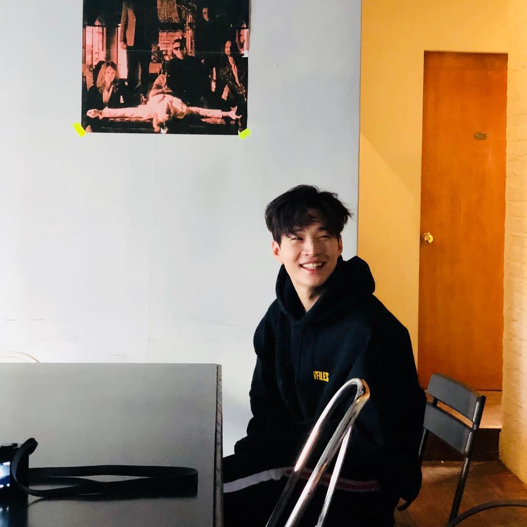 SJ-M成員Henry在昨天宣佈與SM在合約到期後不再續約,將離開從2006年甄選進入後,一直合作的娛樂龍頭SM,消息一出讓不少粉絲感到震驚及可惜。