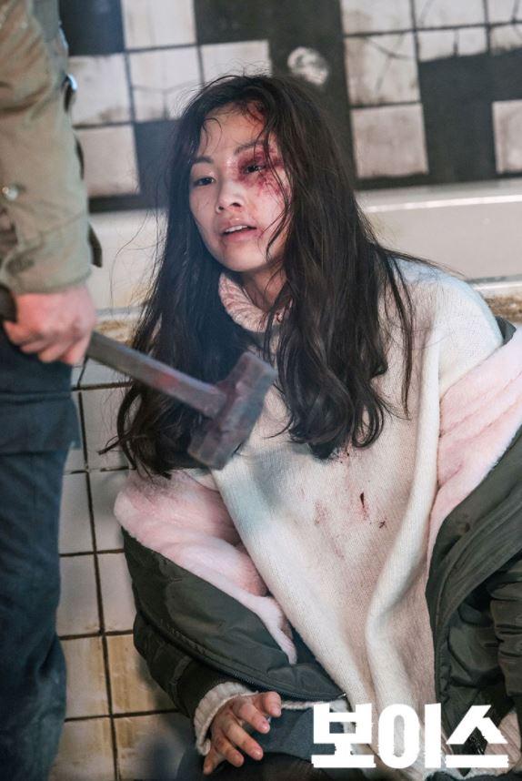 《水原殺人分屍案》中加害者吳原春 (當時42歲)為朝鮮族人,犯案當天喝得大醉後起了強暴女性的念頭。受害者郭某 (當時28歲)在歸家途中被拖拉到吳原春家中,吳原春在強暴得逞後將其掐死。受害者被肢解成280多塊碎塊後,被裝於14個垃圾袋中棄置。