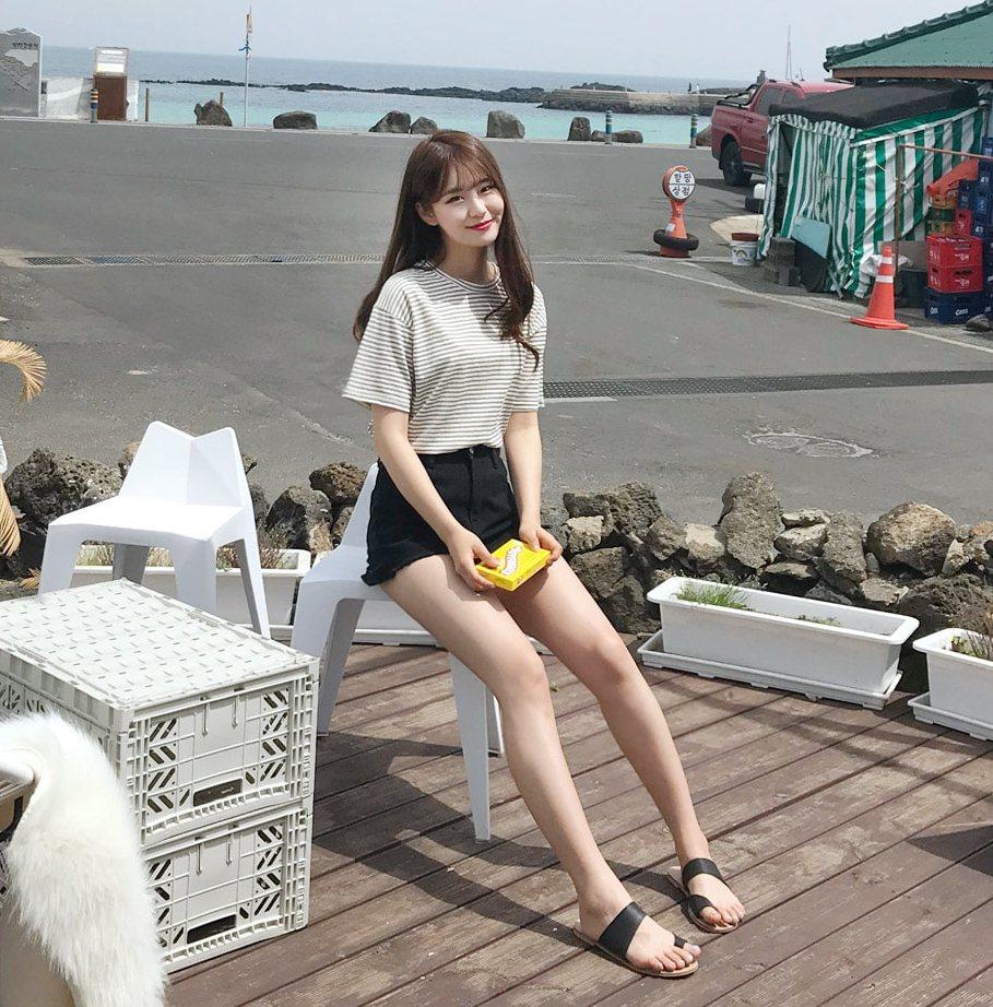 常在follow韓國網拍的女孩,一定都對gogosing不陌生吧?品牌清甜感的風格、簡約高質感的百搭單品,在韓國本來就有一大票韓妞每個月都以韓幣死忠支持XDD,這次gogosing終於來到台灣啦~