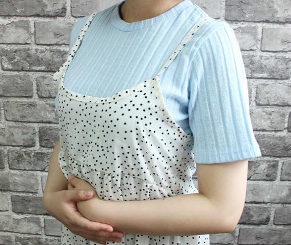 至於洋裝部分則是走可愛路線,非常適合小胸部,因為它在胸下的位置做了車線,能在視覺上放大胸部線條。
