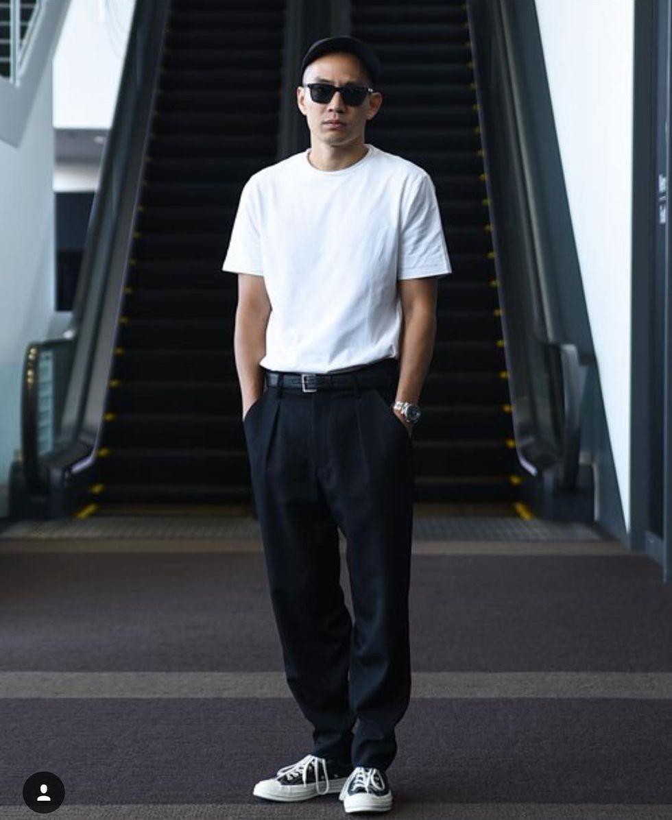 Eugene Tong的穿衣哲學,收服了一票粉絲,其實細細解析,他沒有過多繁複的搭配步驟,穿上一件質感好的白T,簡易的搭配一雙Converse 1970,就能創造出人人追捧的時尚型男。