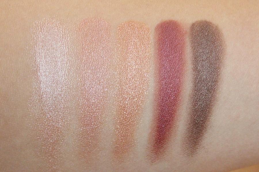 顏色選擇上由淺到深都有,其中粉色系的二號色更是韓妞之間最色門的顏色,能打造小清新妝容~