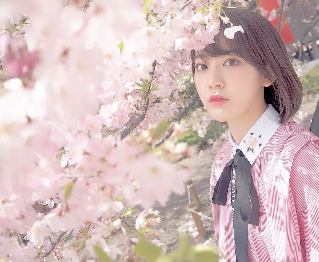 今年才20歲的她早已演出過多部日劇,不僅年輕有潛力,青春可愛的外形,想必會擄獲不少韓國「歐巴」們的心~~