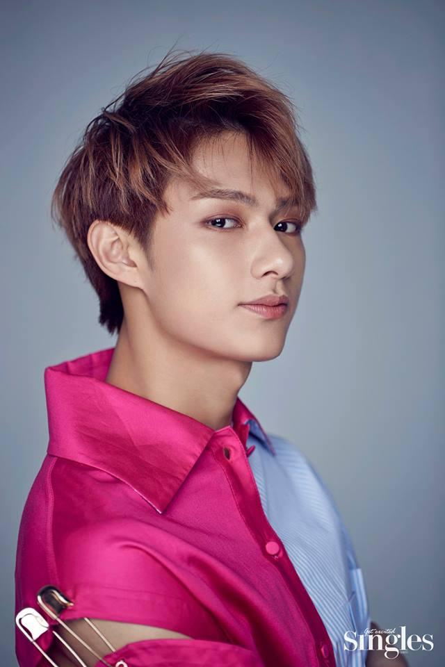 #SEVENTEEN - Jun Jun是SEVENTEEN中其中一位中國籍的成員,五官非常精緻阿! 不過小編自己私心小十七的淨漢啦!