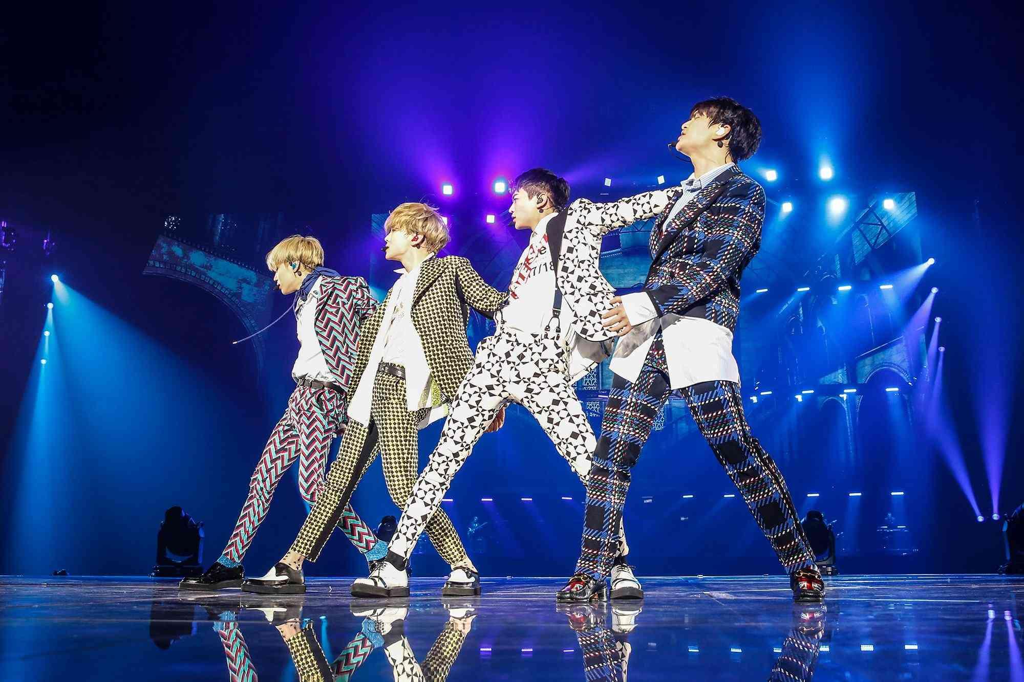 由於韓國規定依定要在30歲前入伍當兵,粉絲也猜測1989年生的溫流,應該會在SHINee的十週年活動結束後入伍,所以粉絲們要把握這次SHINee的回歸啊!
