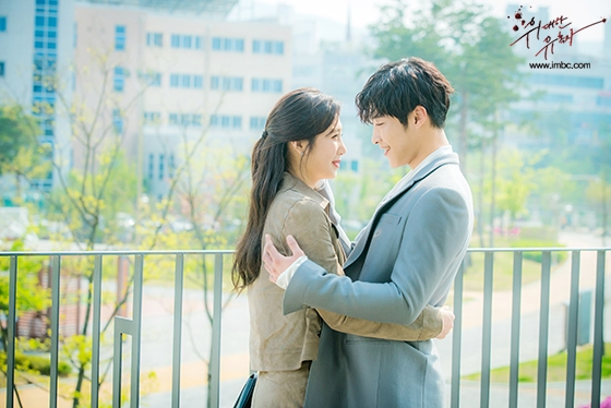 ✿TOP5  MBC 《 偉大的誘惑者 》 話題佔有率:7.12% ※講述上流社會的青春男女危險但美麗的二十歲誘惑愛情故事。