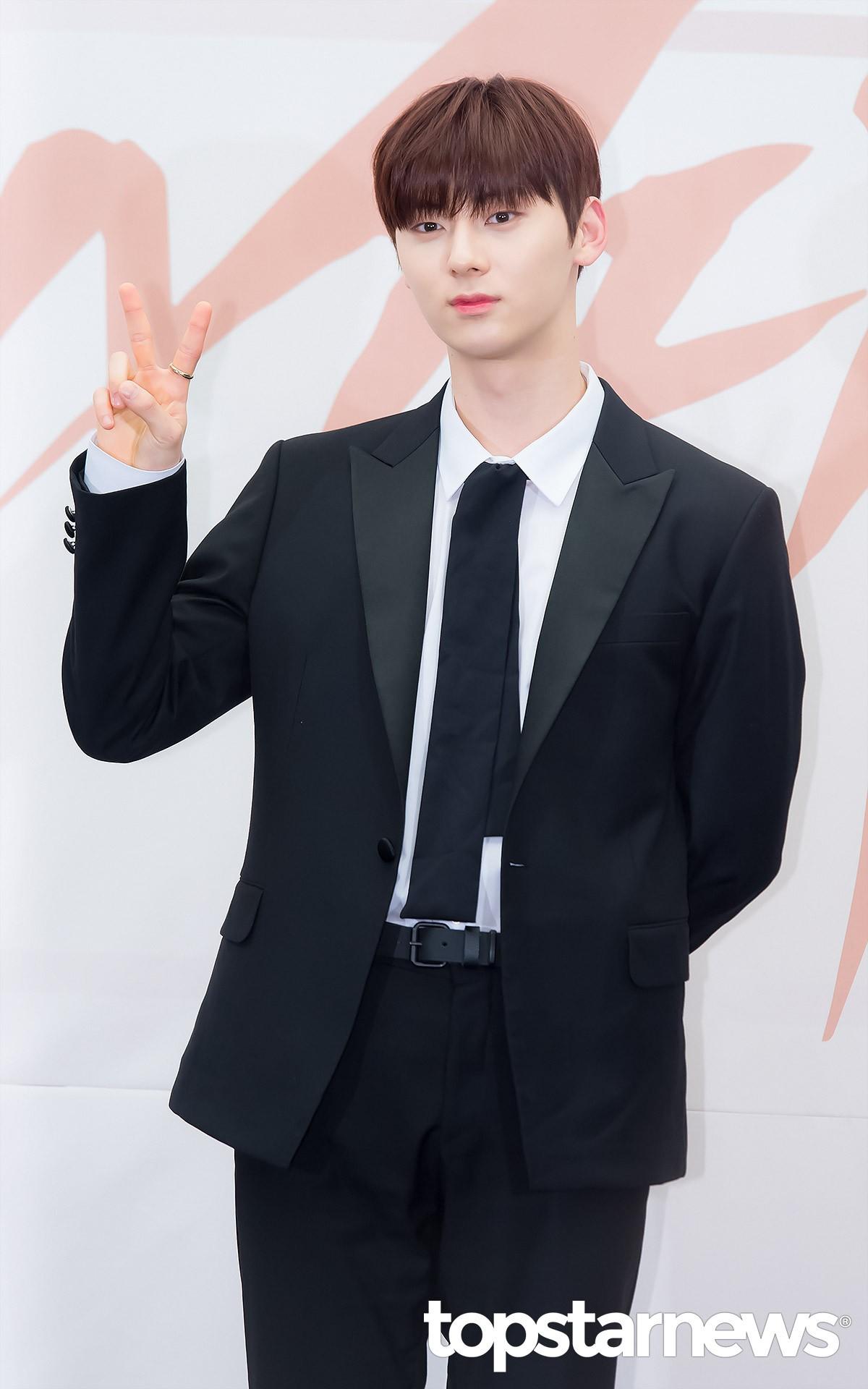 第二名 : NU'EST-黃旼炫