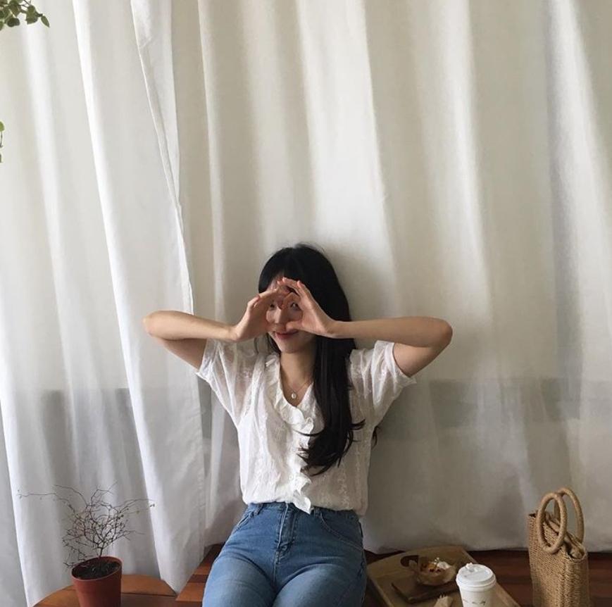 △表達情緒的方式很笨拙: 明明就非常喜歡對方,卻因為害羞而故意裝酷,還天真的認為對方一定懂你。但有時候情感表達太過拘謹笨拙的話,反而會讓對方覺得妳是不是沒那麼喜歡他,反而弄巧成拙。