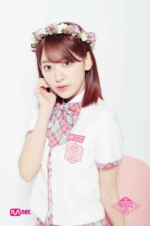 11.宮脇咲良 Miyawaki Sakura 出生 : 1998年 身高 : 163cm 所屬經紀公司 : HKT48 Team KIV