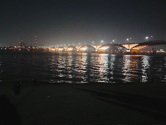 廣渡口漢江公園(광나루한강공원):廣渡口漢江公園離市中心比較遠一點,但廣渡口漢江公園最美的就是夜景啦!