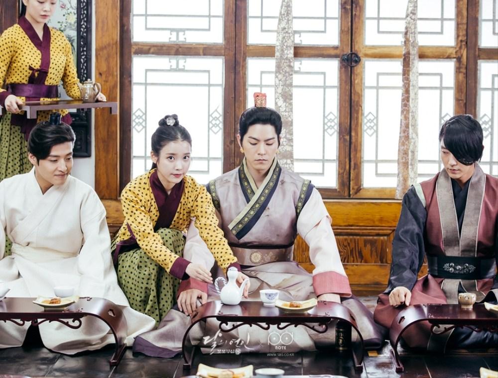人氣韓劇《白色巨塔》、《花樣男子》、《月之戀人-步步驚心:麗》等等都是改編外國的電視劇,不過近幾年也有不少國家改編韓劇重新拍攝,也獲得很高的人氣!!