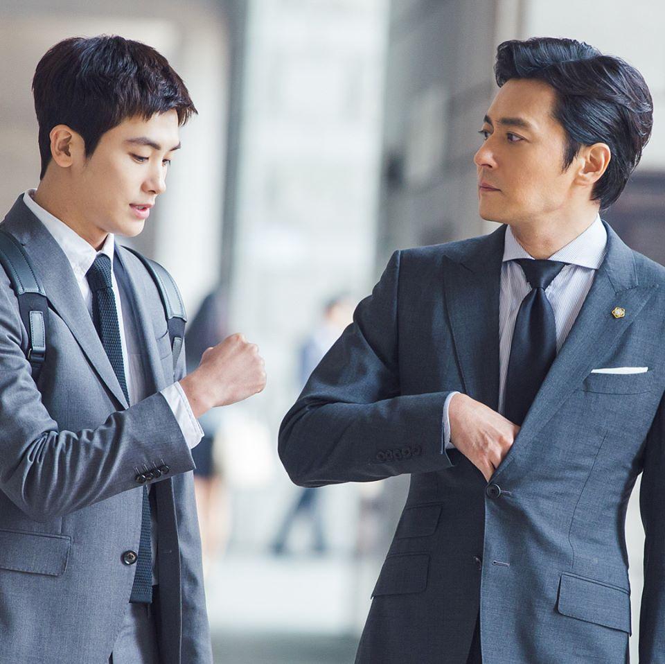 ✿TOP8  KBS《Suits》 話題佔有率:3.76% ※講述一名資深著名律師遇到一位沒念過法學院、沒有執照卻有超強記憶力的新人律師,成為法律界黃金拍檔的故事。