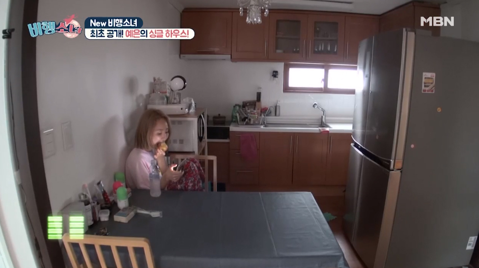 就連廚房和餐桌都比一般家庭來得更簡單,和大家對明星家總是很華麗的相像完全背道而馳