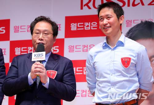 他表示「雖然大家都認為韓國人喜歡足球,但其實並不是,他們只喜歡羸」,「為了贏而喜歡足球,而享受足球。但這樣的話不會做得好,所以我們應該要把前後交換」