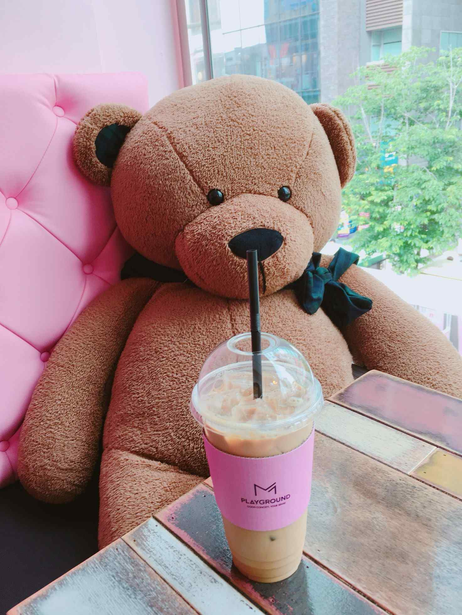 第一次來的時候飲料還只是普通的咖啡色杯套,上面也沒有任何字,現在已經換成美美的粉紅杯套啦!是不是更好拍了~