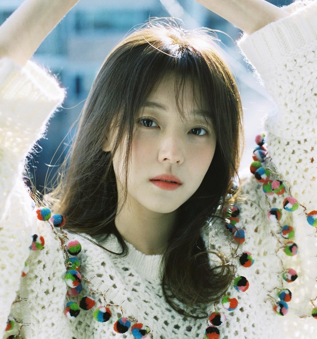 漫畫中「心機女配角」的角色在今天公佈由26歲的演員趙宇麗擔綱演出,趙宇麗雖然大家對她的名字可能比較陌生,但她演出的作品想必大家都不陌生