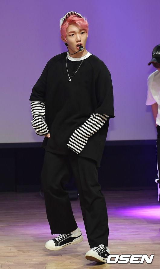 判決書宣告2014年,當時才16歲的成員李庚河涉嫌性騷擾當時也未成年的女性而被起訴。雖然經紀公示表示會「上訴到底」,否認性騷擾嫌疑,但2014年出道前涉嫌騷擾女性的過去被曝光,讓今年因為多起藝人性騷擾案曝光而騷動的韓國演藝圈再添風波