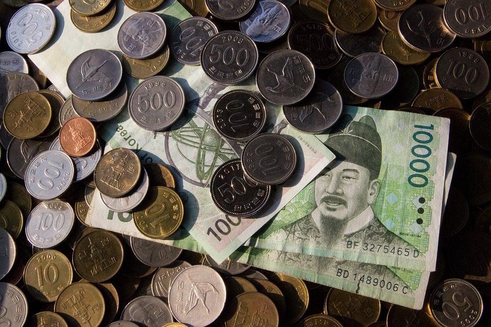 去過韓國或是在韓國生活的朋友,很少使用現金,基本上都可以使用信用卡或是行動支付方式,但是.....行動支付一方面方便,卻也有不少不方便的地方