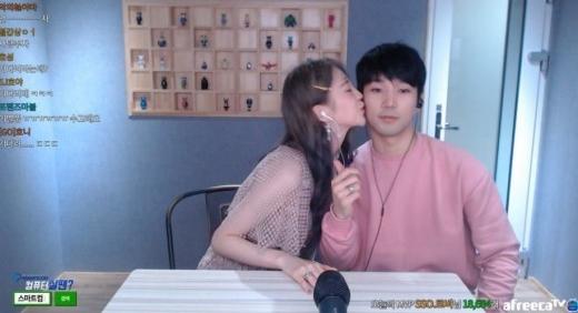 據AfreecaTV直播主的收入統計,G.O在一個禮拜內就賺入2700萬韓圜(約台幣74萬),而且G.O更榮登當週的直播主收入一位,也讓支持G.O的粉絲們都感到相當欣慰~