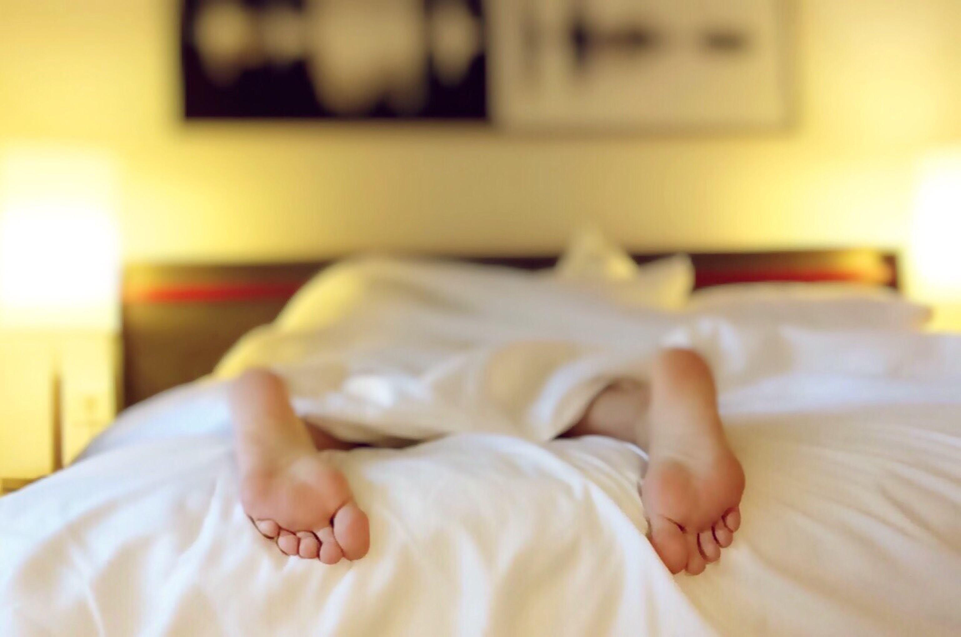 【改善方法】減少油膩的飲食及加工食品、乳製品的攝取。放鬆身心並且每日至少運動30分鐘、10點前就寢就是最好的改善方法~