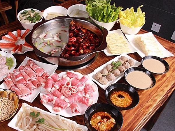 【改善方法】需避免刺激性飲食,例如生冷及辛辣的食物,少吃肉類或是火鍋,避免胃酸分泌過多。另外也要減少膽固醇類食品,並補充維他命B。