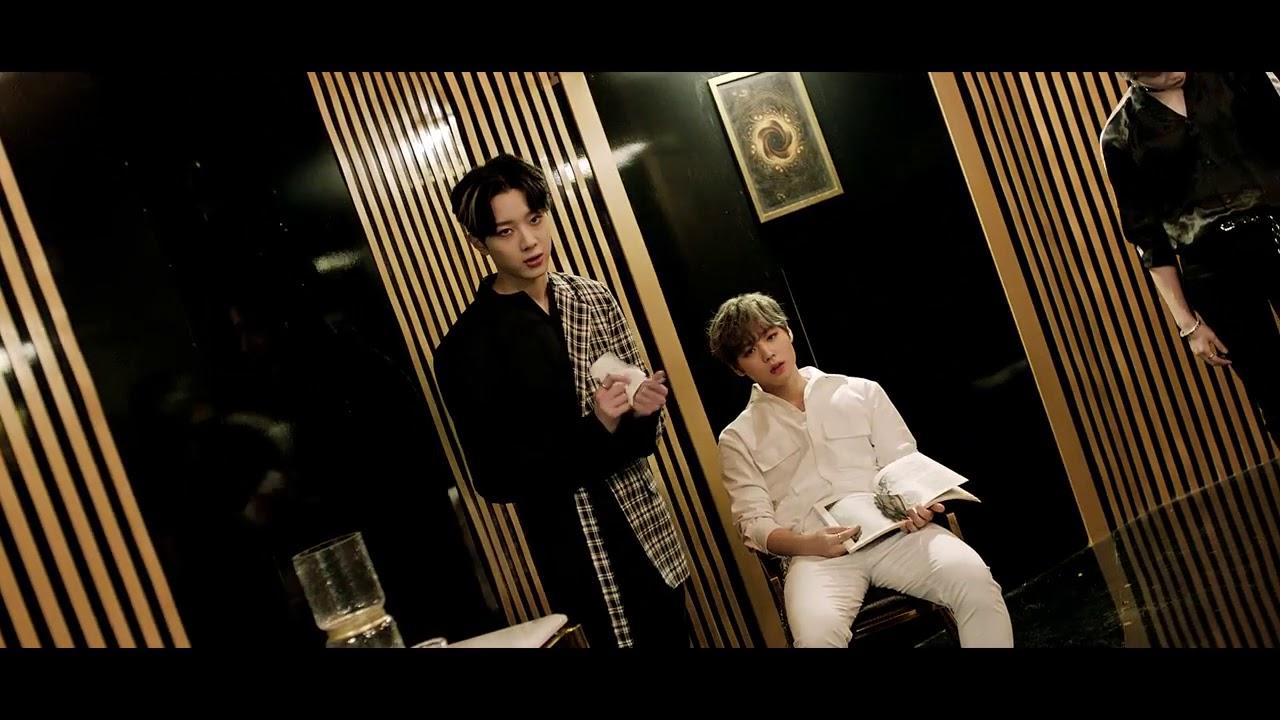 另一首主打歌「BOOMERANG」的MV中也有以為是CG特效,但其實是由成員們親自演繹的畫面喔! 就是這一幕,成員們的動作都由「倒敘」的方式呈現!