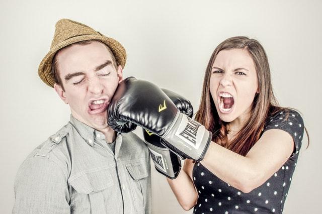 5. 我要跟你分手 有些人每次跟戀人起爭執就要提分手,每次吵架過後都跟朋友說要分手了,但和好之後又像從沒說過這句話一樣甜甜蜜蜜的。(這種話還是不要常說啊!)