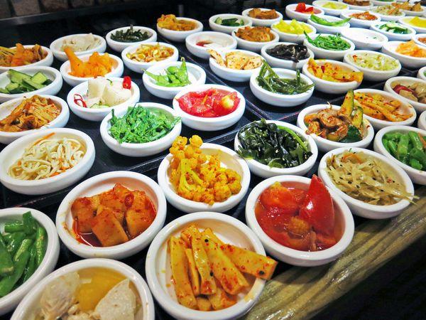 6. 每間餐廳的小菜都可以無限添加。