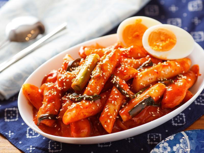 #辣年糕:1人份是340卡路里,如果再加上起士、拉麵一起吃的話......ㅠㅠㅠ