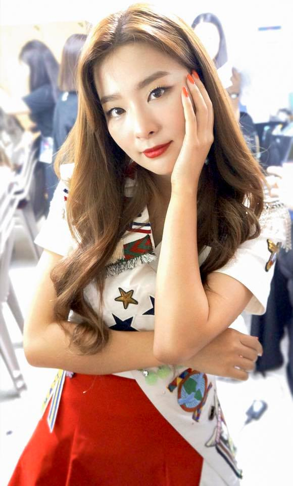 # Red Velvet - SEULGI 在人人都是大眼睛的時代裡,單眼皮的瑟琪就顯得更加亮眼,瑟琪也憑藉著強烈的個人色彩成為廠商新寵兒~