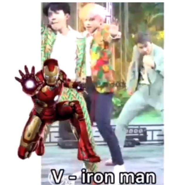 #V V的動作也很明顯是鋼鐵人的動作! 應該滿好猜的吧ㅋㅋㅋ