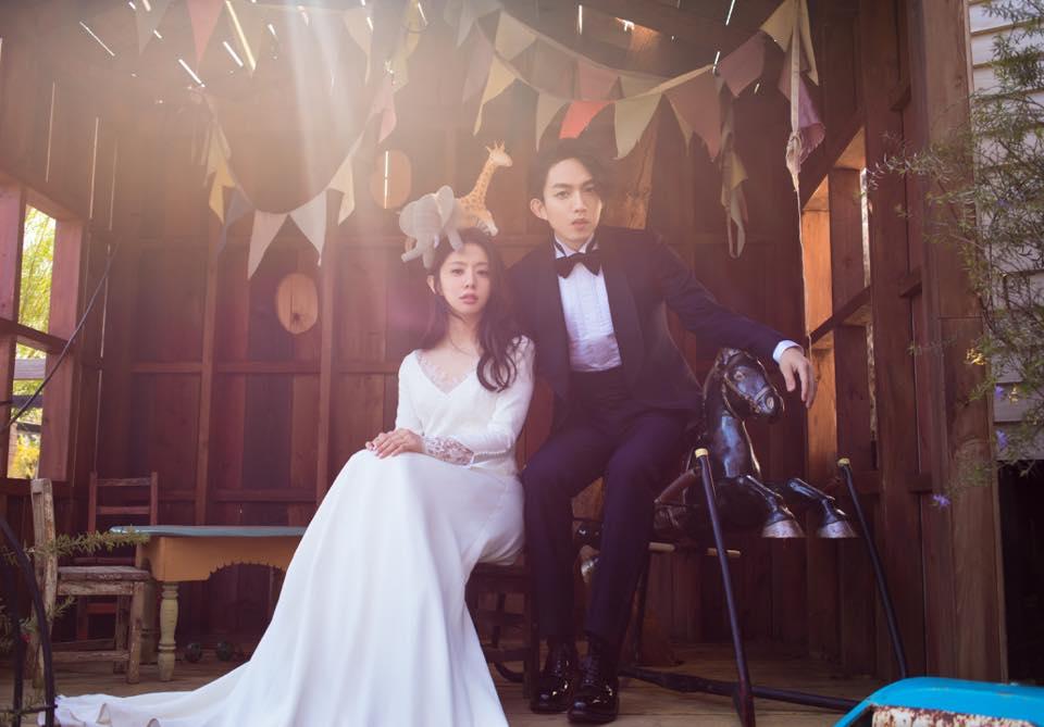 其實不只柯佳嬿、坤達,婚禮讓人眼睛一亮的林宥嘉與KIKI,之前曝光的婚紗照走的是森林系的路線,就像童話世界的王子與公主,林宥嘉與KIKI就是這城堡的主人翁。