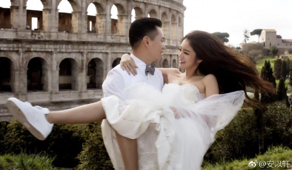 除了小清新的風格,許多藝人也刻意用新的搭配方式,之前愛紗、舒淇拍攝婚紗時,都刻意選擇搭配球鞋,這種混搭的風格,也造成一股風潮。
