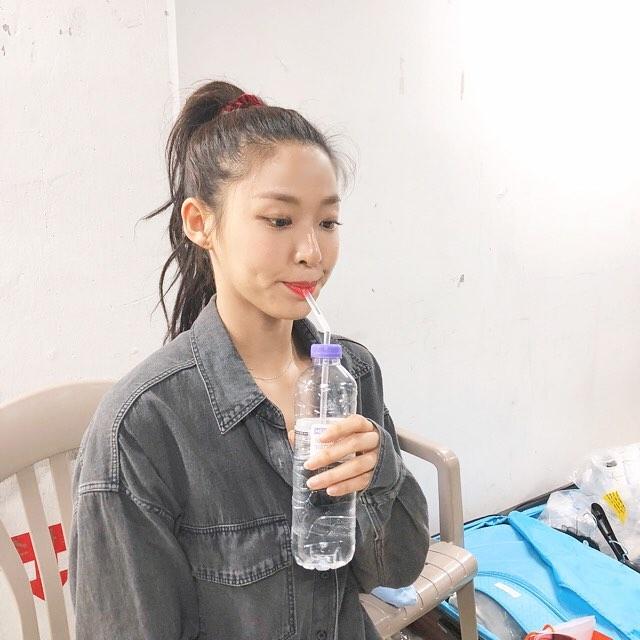 # AOA - 雪炫 雪炫不僅身材好,笑起來也總是甜甜的,難怪會擁有大批死忠粉絲啊~
