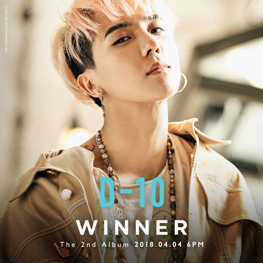 # WINNER - 旻浩 曾將粉絲送的耳環親自戴上認證,真的讓粉絲們完全感受到他的用心阿~
