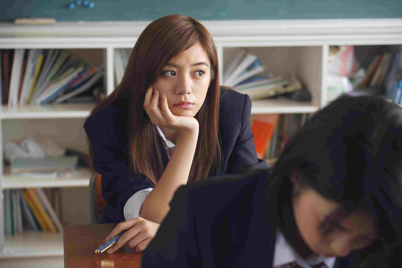 韓國高中生的晚自習時間,都會有無法集中、一直在想其他事的時候,看看韓網整理出晚自習一定會做的五件事是哪些吧!