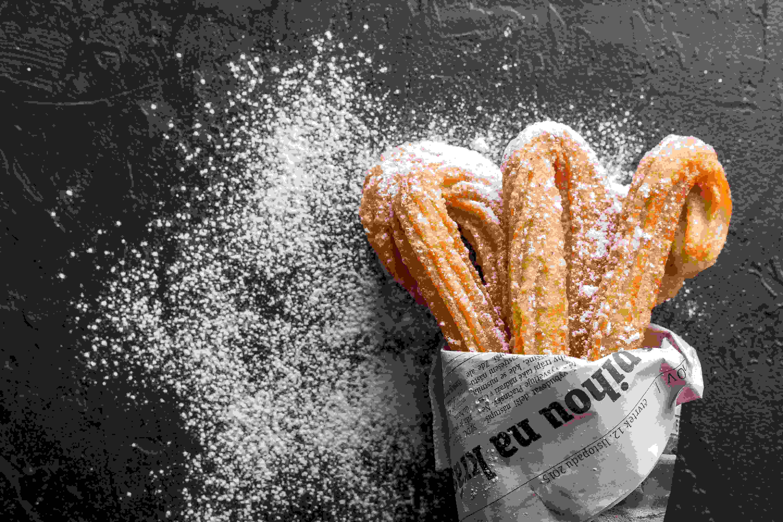 2.瞞著老師偷吃零食 晚自習時偷吃的零食不可能不好吃!在老師不注意的時候一小口一小口偷吃買來的麵包才是最好吃的啊~但是可能會因為瞬間傳開的香味而被發現。