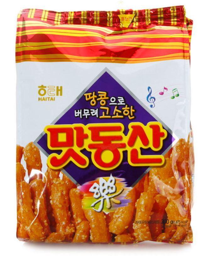 1.好吃樂園 全韓國的爸爸們都喜歡的零食中最受歡迎的就是「好吃樂園」,包著糖漿跟花生混和的零食,吃起來跟韓國一種傳統的粿子有點像,所以很受老年人的喜愛。但也有很多人不喜歡咬下時糖黏在牙齒上的感覺。